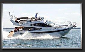 Моторная яхта с флайбриджем Galeon 420 Fly